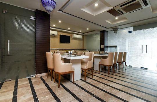 Oyo 9011 Hotel Lohmod New Delhi