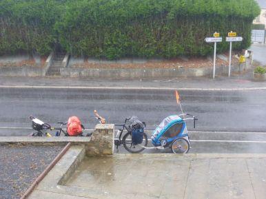 Premier jour sous la pluie   First day under the rain