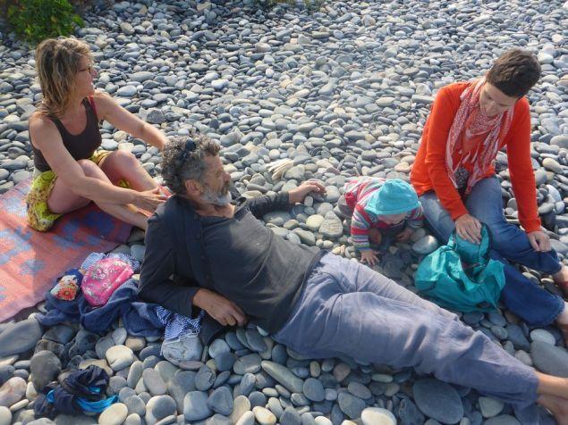 Sur la plage avec les Pinuches | On the beach with Pinuche family