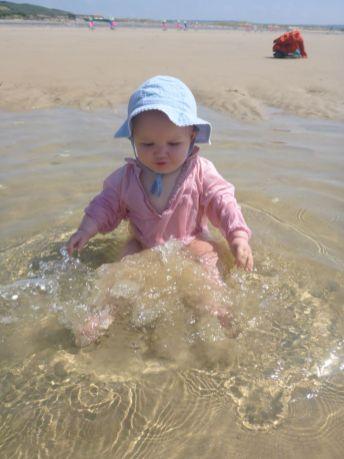 Biagnade dans une mare de la plage   Bath in a pond of the beach