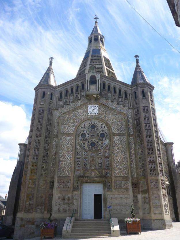 Eglise de Domfront   Domfront church