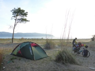 Camping sur la plage | Camping on the beach