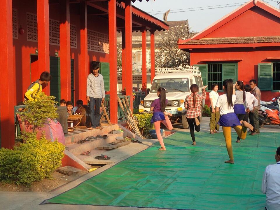 Cours de danse khmère