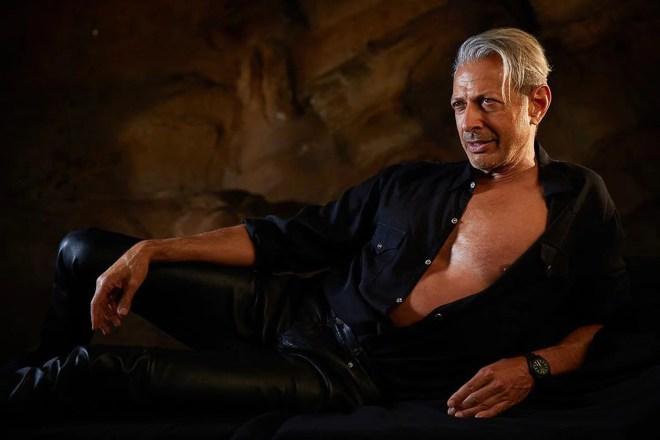 image Jurassic Park: Jeff Goldblum Recreates Iconic Movie Pose From Almost 30 Years Ago   IGN