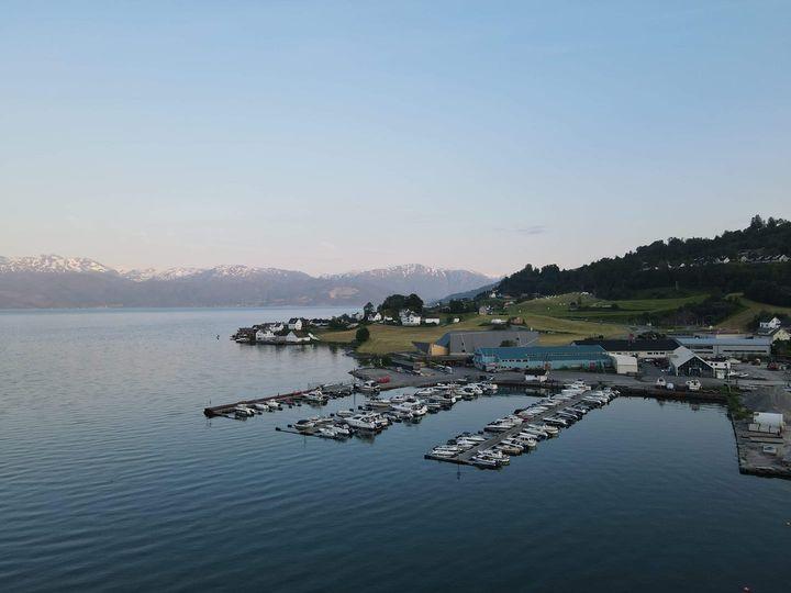 Øystese Båtlag ynskjer alle eit riktig  Godt nyttår 🥳⛵🚌  Velkomen til ein ny sesong 2021.