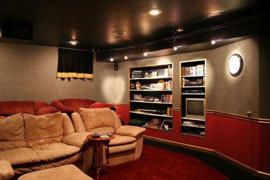 indoor entertainment room