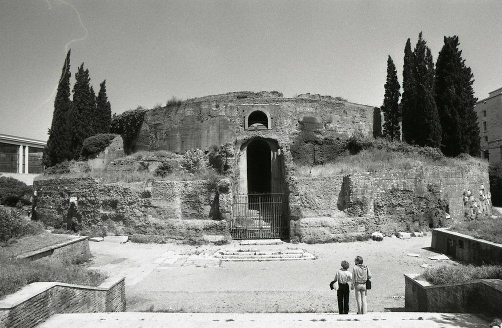 Mausoleum of Augustus, mausoleo di augusto roma