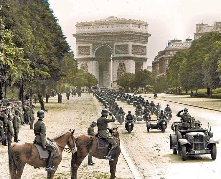 German army at Paris France Arch de Triomphe, 14 June 1940