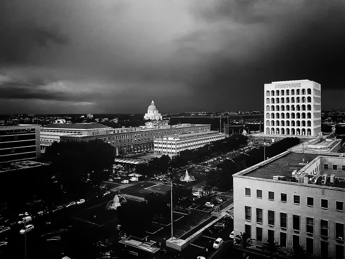 EUR Bölgesi, Roma. (Fotoğraf: Frankie Zoff, 2012. Panaromio)