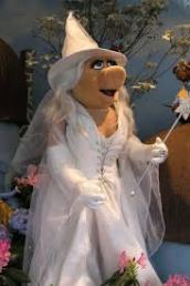 miss-piggy-as-glinda