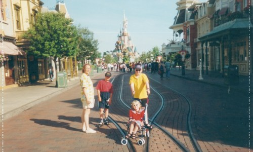 25/6 – Disneyland Paris