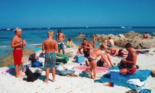 30/6 – En dag på stranden och kväll i en Port Guillard