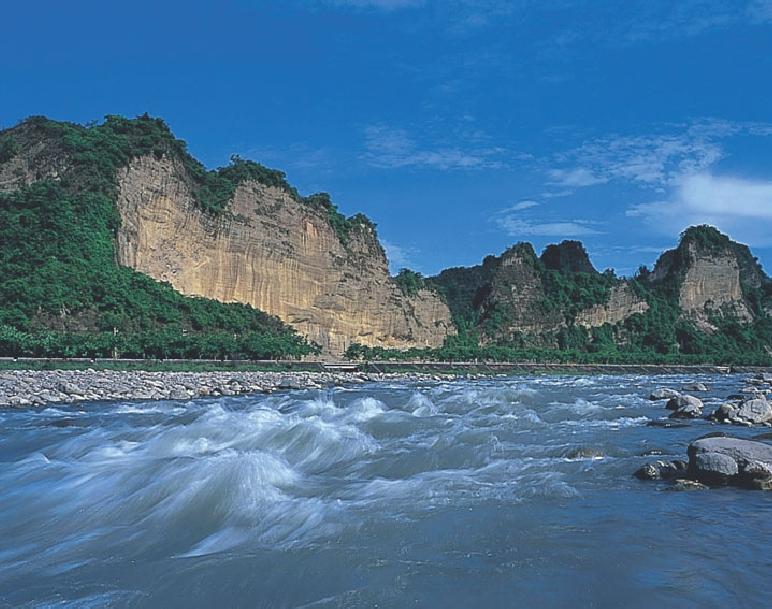 十八羅漢山風景區 - 旅遊美食資料庫