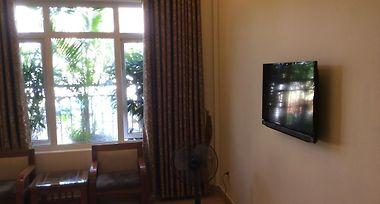 Hotel Thien Huong Van Mieu Hanoi 2 Vietnam Booked