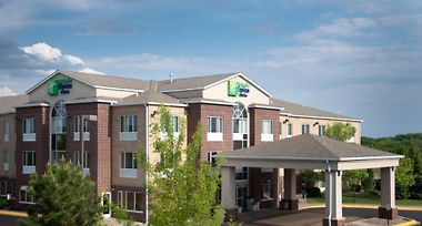Holiday Inn Express Hotel Suites Chanhassen Mn 2 United