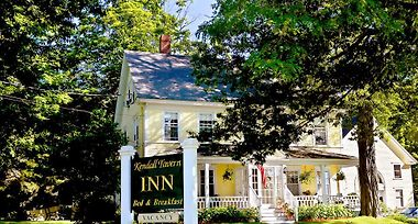 Hotel Kendall Tavern Inn Bed And Breakfast Freeport Me 2