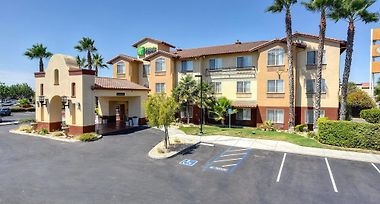 Holiday Inn Express Hotel Suites Manteca Ca 2 United