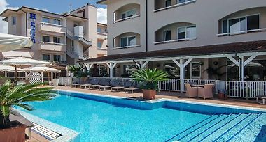 Hotel Eden Cinquale 4 Italy From Us 134 Booked