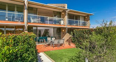 Hotel 2 James Cook Apartments Byron Bay 3 Australia