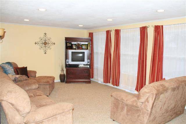 chair cover rentals findlay ohio walmart patio cushions 605 lincolnshire ln oh 45840 realtor com