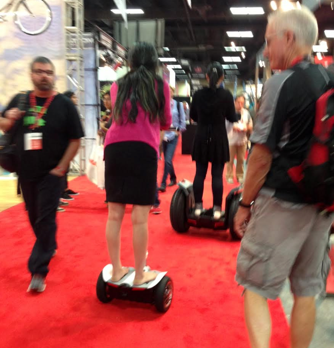 Barefoot Mini-skirt Segway Schralping - Interbike Part 2