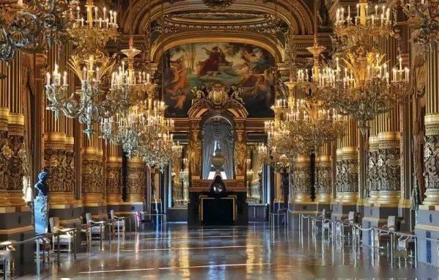 卢浮宫如何成为举世闻名的博物馆?