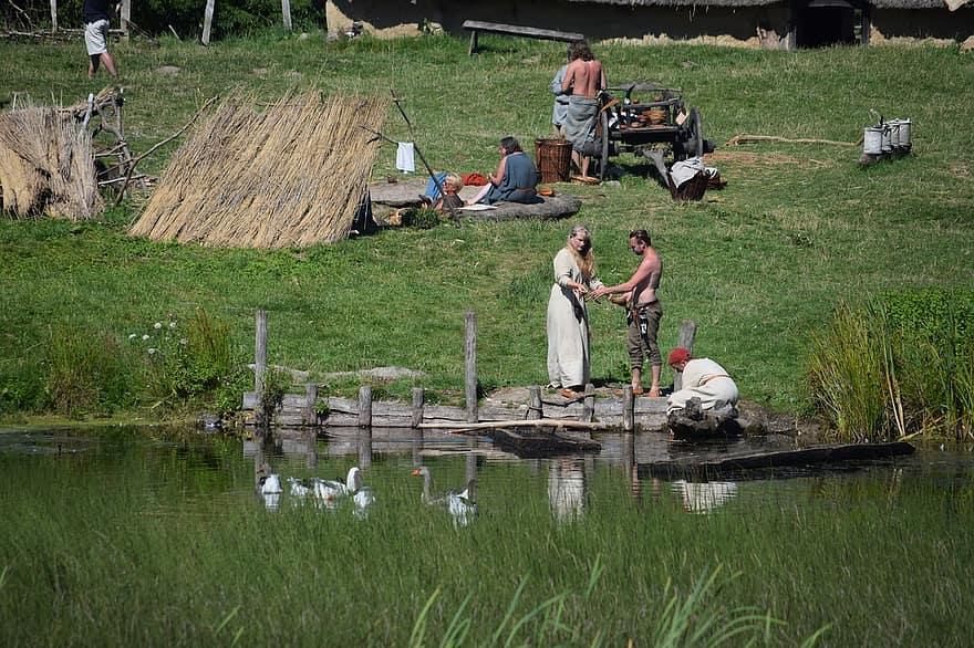 Trouver la viking museum copenhagen photo idéale une vaste collection,. Village Musee Viking Les Vikings Danemark La Vie Viking Village Viking Famille Viking Lac Lee Pikist
