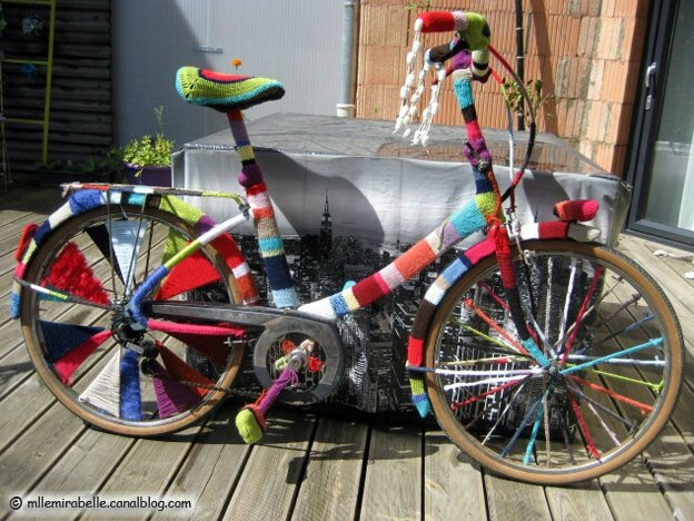 bicyclette-yarn-bombing