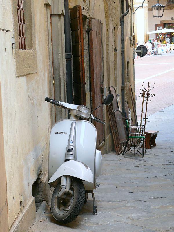 VILLE D'ITALIE - 4 - 11 Lettres - Mots-Croisés & Mots