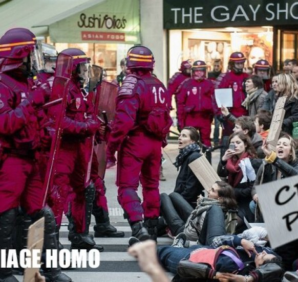 Manif Anti Mariage Homo DéLiRiUs