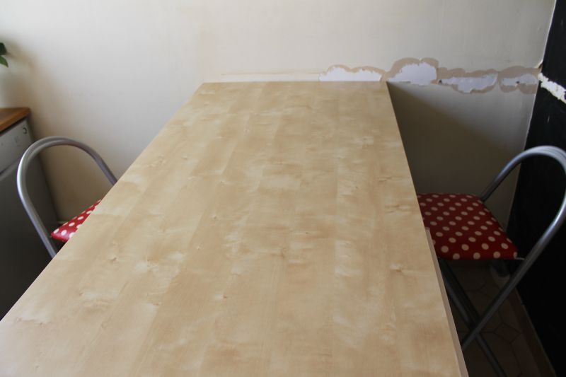 table de cuisine a fixer au mur