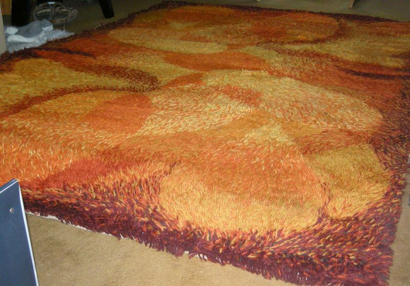 tapis vintage annees 70 fire power