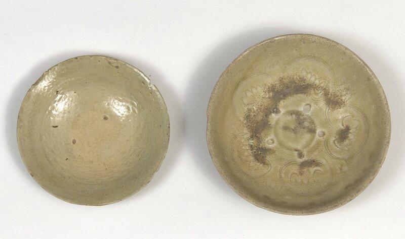 Lot composé de deux assiettes, Vietnam, dynastie des Trần (13°-14° siècle) et Lê (15°-16° siècle)