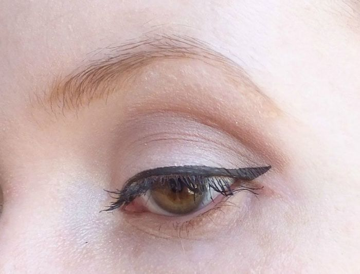 base-fixante-elf-eyeslipsface-studio-test-swatch-yeux-teint (1)