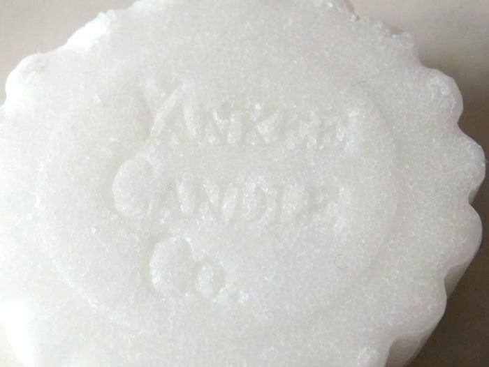 Yankee-candle-tartelette-fireside-treats-sucre-chamallow-grille-feu-de-camp-bougie-ambiance-parfum (3)