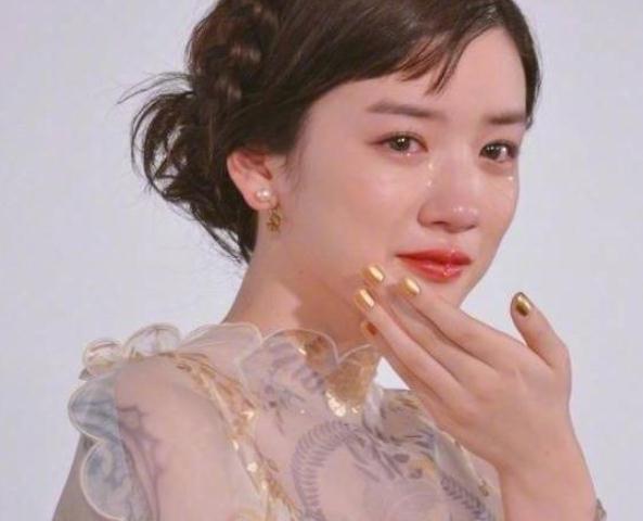 娛樂圈「仙女式」哭泣,鞠婧禕楚楚動人,程瀟心疼,她是鼻祖