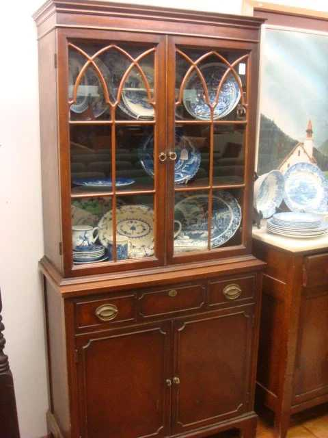 15 1930s Mahogany Duncan Phyfe Small China Cabinet