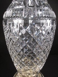 "LARGE WATERFORD ""TRAMORE"" CUT CRYSTAL TABLE LAMP : Lot 139"
