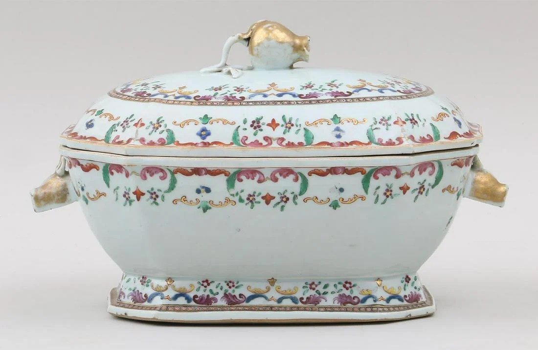 18th century Chinese export covered tureen