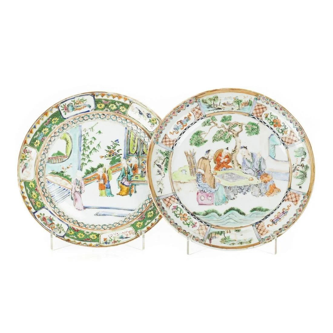 Two figural plates in Chinese porcelain, Minguo