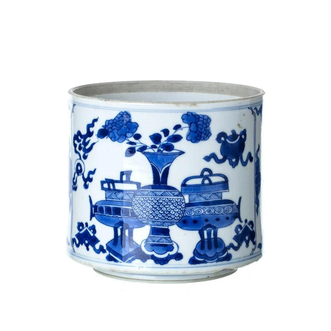 Chinese porcelain 'flower vase' Brushpot, Kangxi