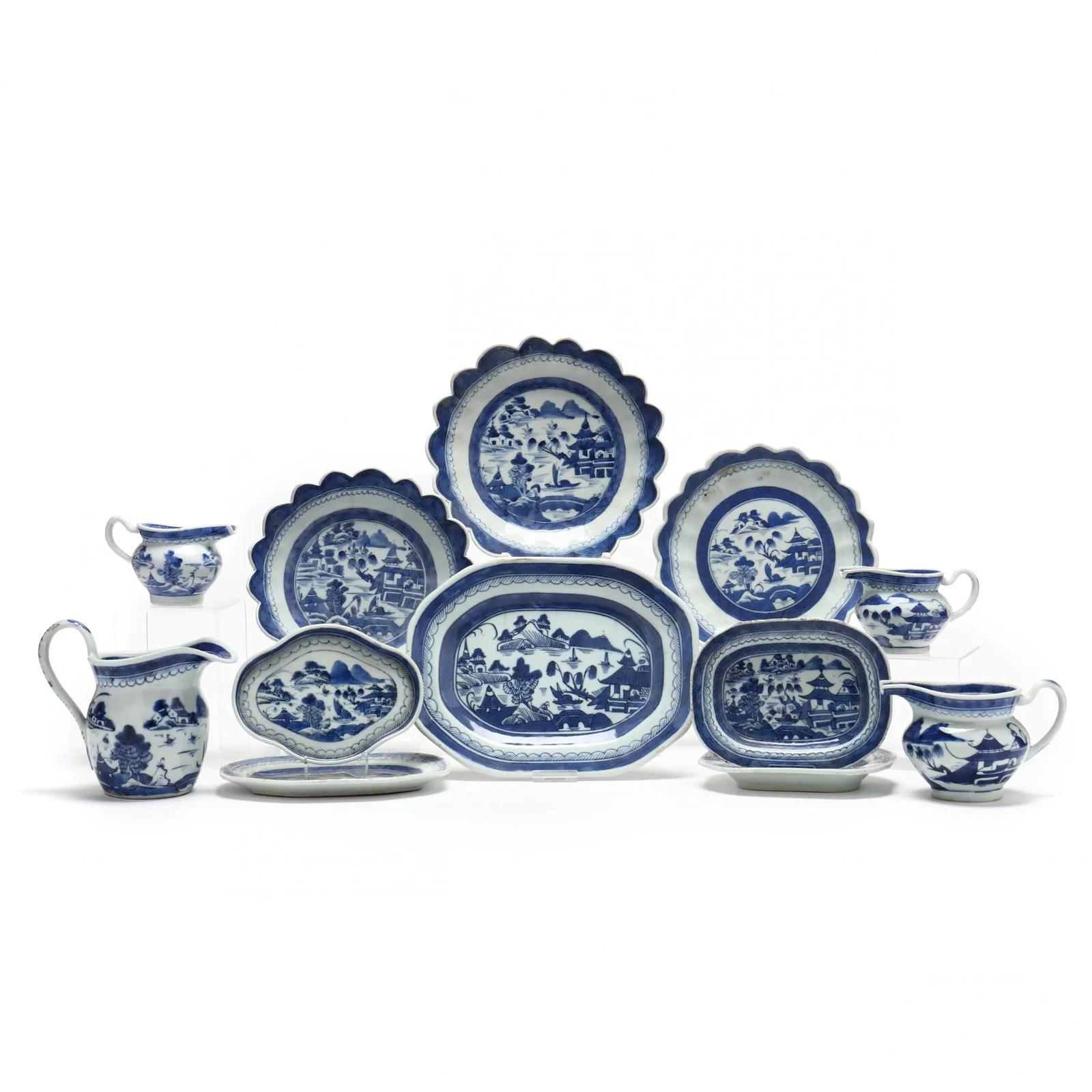 Twelve Canton Export Porcelain Accessory Pieces