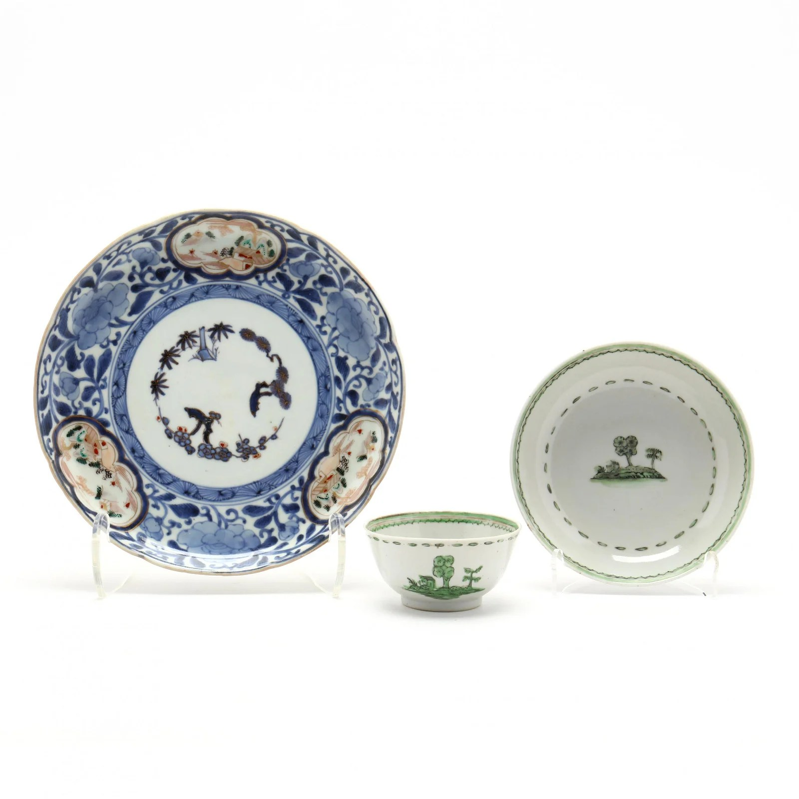 A Japanese Imari Plate and Chinese Export Teacup and