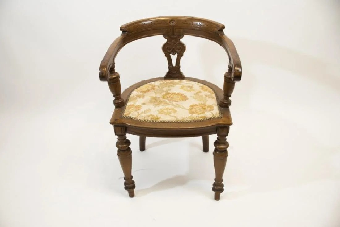 Curved Back Chair 19th C Victorian Curved Back Chair W Tapestry Seat On Liveauctioneers