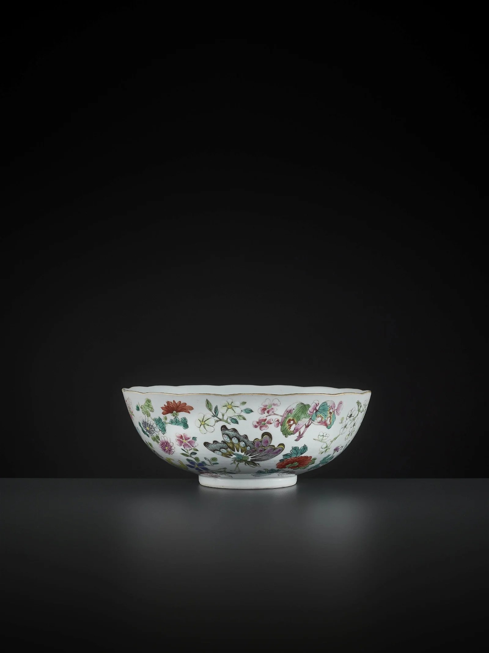 A LARGE BUTTERFLY BOWL, DAOGUANG MARK AND PERIOD