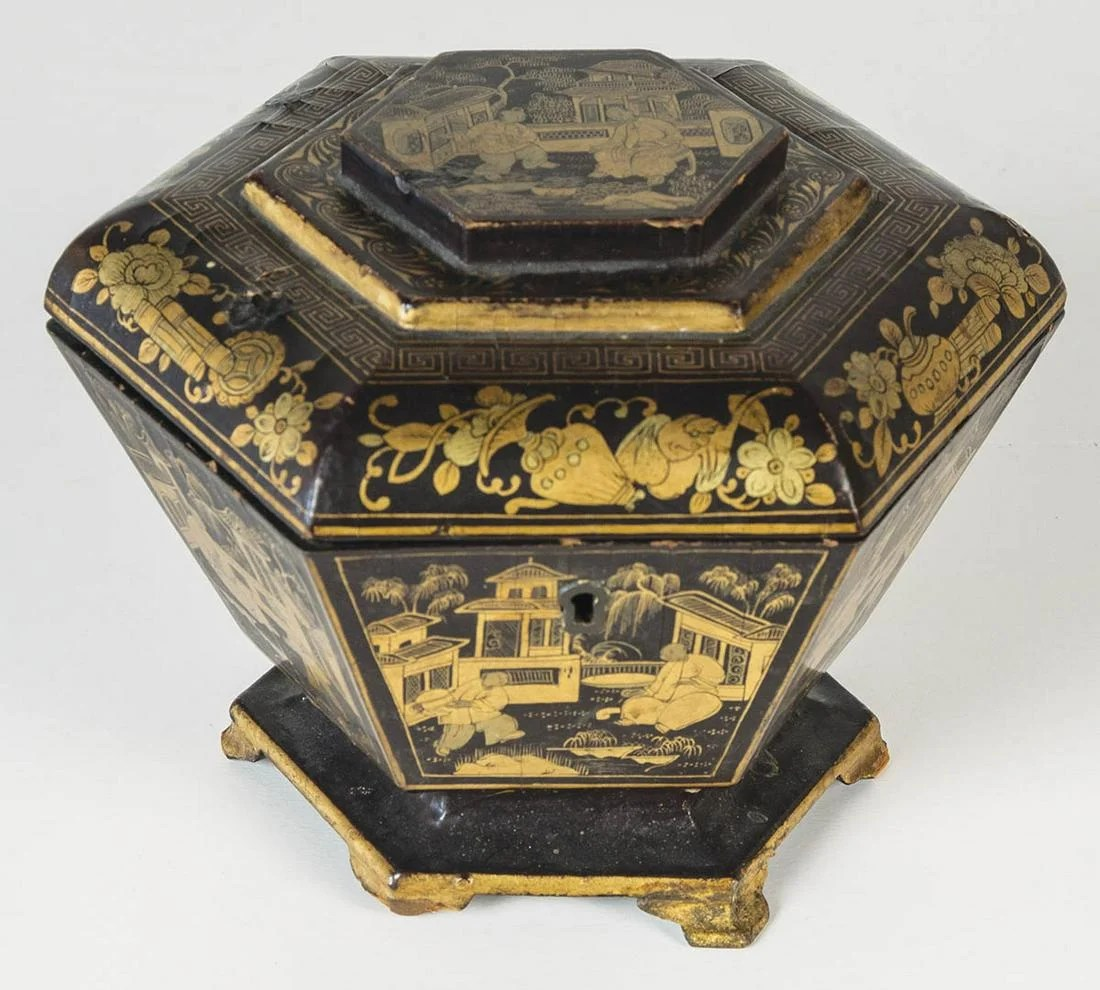 TWO 19TH C. CHINESE EXPORT TEA CADDIESFinely decorated