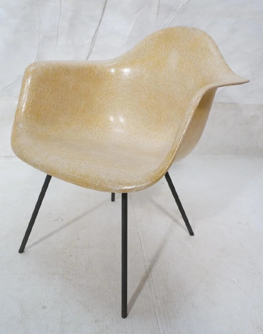Herman Miller Shell Chair Charles Eames Shell Chair For Herman Miller Mode Mar 20 2018 Uniques Antiques Inc In Pa On Liveauctioneers