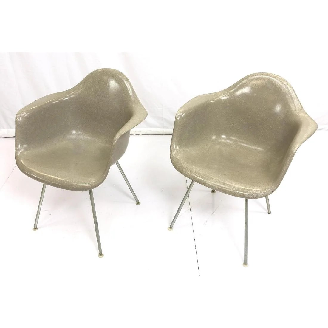Herman Miller Shell Chair Pr Charles Eames For Herman Miller Shell Chairs Feb 19 2019 Uniques Antiques Inc In Pa On Liveauctioneers