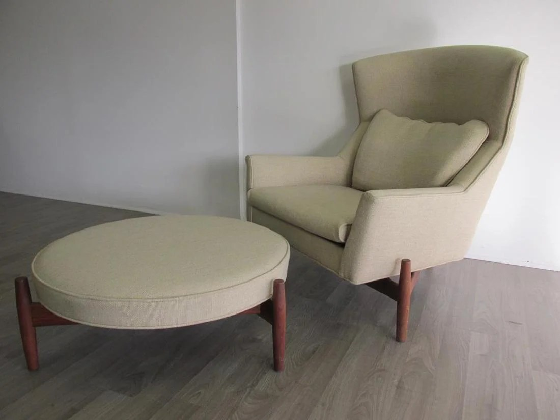 big chair with ottoman electric bath chairs elderly jens risom lounge and