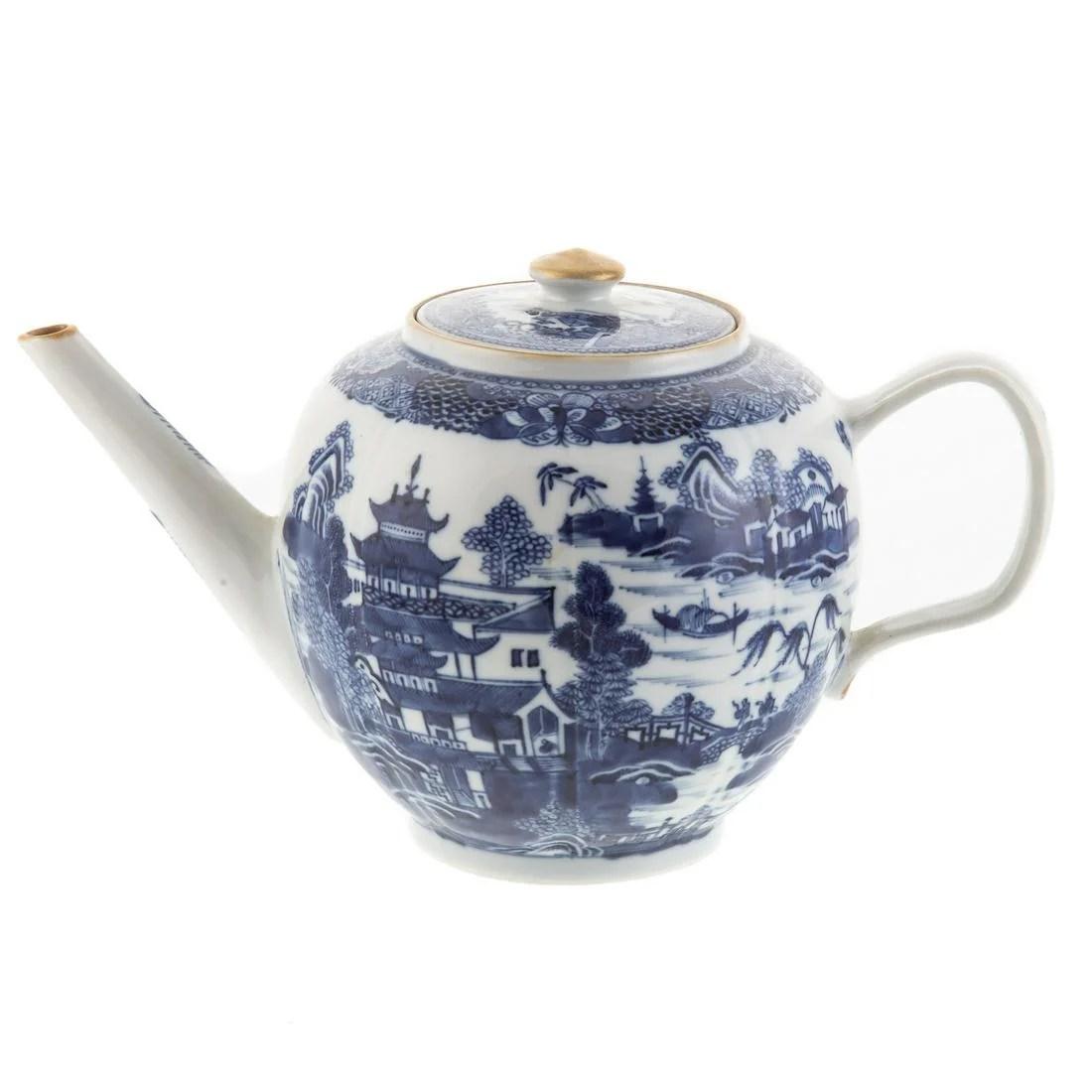 Chinese Export Nanking Globular Teapot